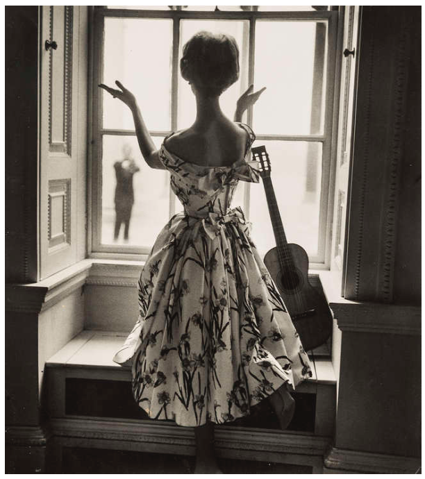 Online Sale: Forever in Fashion: Important Photographs from the Norman Parkinson Archive (archive)